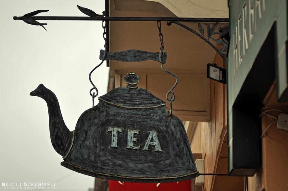 Jaki kolor ma czajnik i zrób zdjęcie?