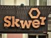 Znadź Skwer na Krakowskim Przedmieściu - sfotografuj i napisz jaki ma kolor