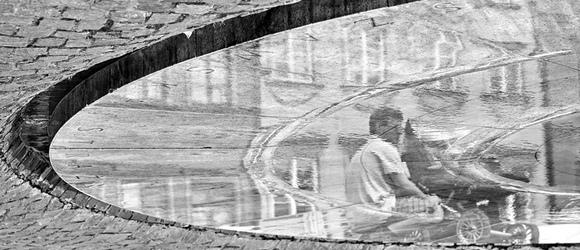 Fotografia uliczna w odbiciu