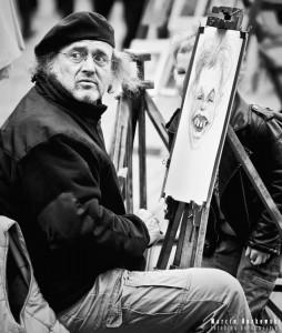 Karykaturzysta na Starym Mieście w Warszawie