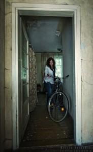 Sylwia przy rowerze