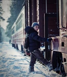 Postój pociągu na polanie w Runowie