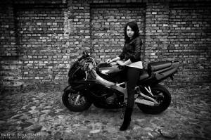 Dorota na motocyklu Honda