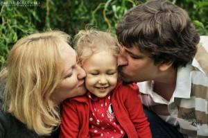 Nadia z kochającymi rodzicami